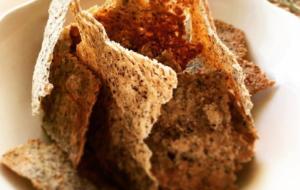 Cracker di teff, saraceno, riso e cannellini