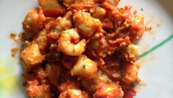 Gnocchi di ceci in salsa di gamberetti