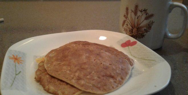 Pancake di farina di ceci e fiocchi di avena