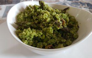 Cous cous integrale al pesto di rucola e asparagi