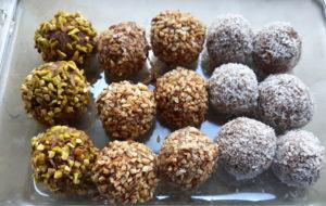 Palline dolci di miglio e cocco