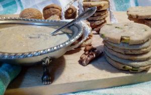 Biscotti salati con hummus di lenticchie