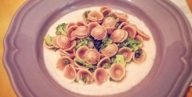 Orecchiette di farro con broccoli e crema di cannellini